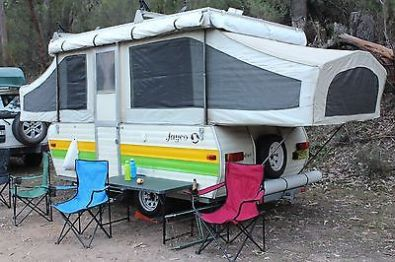 1980s-Jayco-Jaydove-Pop-top-camper-_1